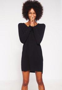 Object - OBJNADINE  - Gebreide jurk - black - 0