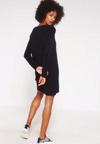 Object - OBJNADINE  - Gebreide jurk - black - 2