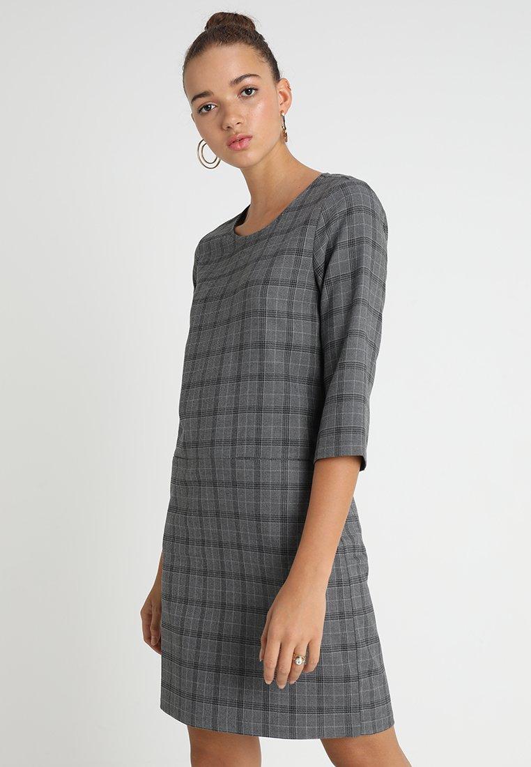 Object - OBJREDHOT BELL DRESS - Hverdagskjoler - medium grey melange