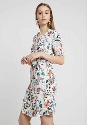 OBJAMBER HAIDY DRESS - Denní šaty - gardenia