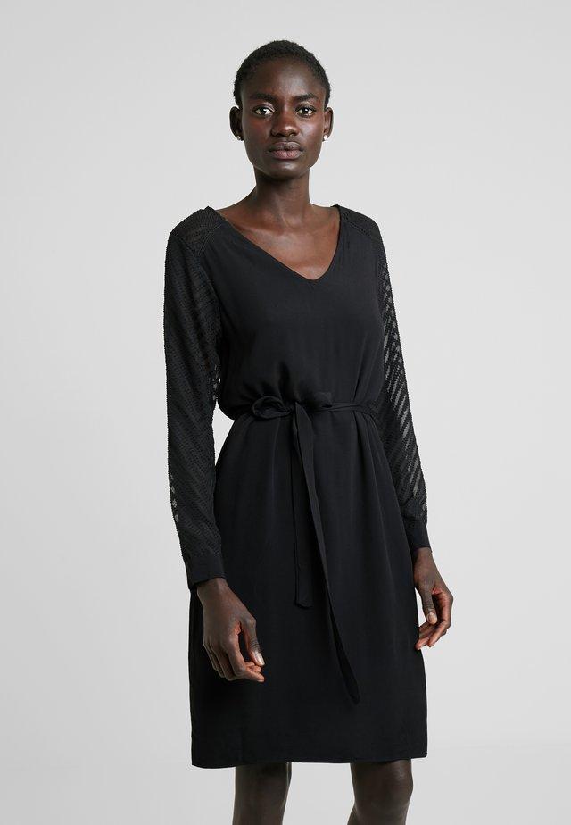 OBJZOE  - Vapaa-ajan mekko - black