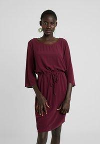 Object - Denní šaty - port royale - 0
