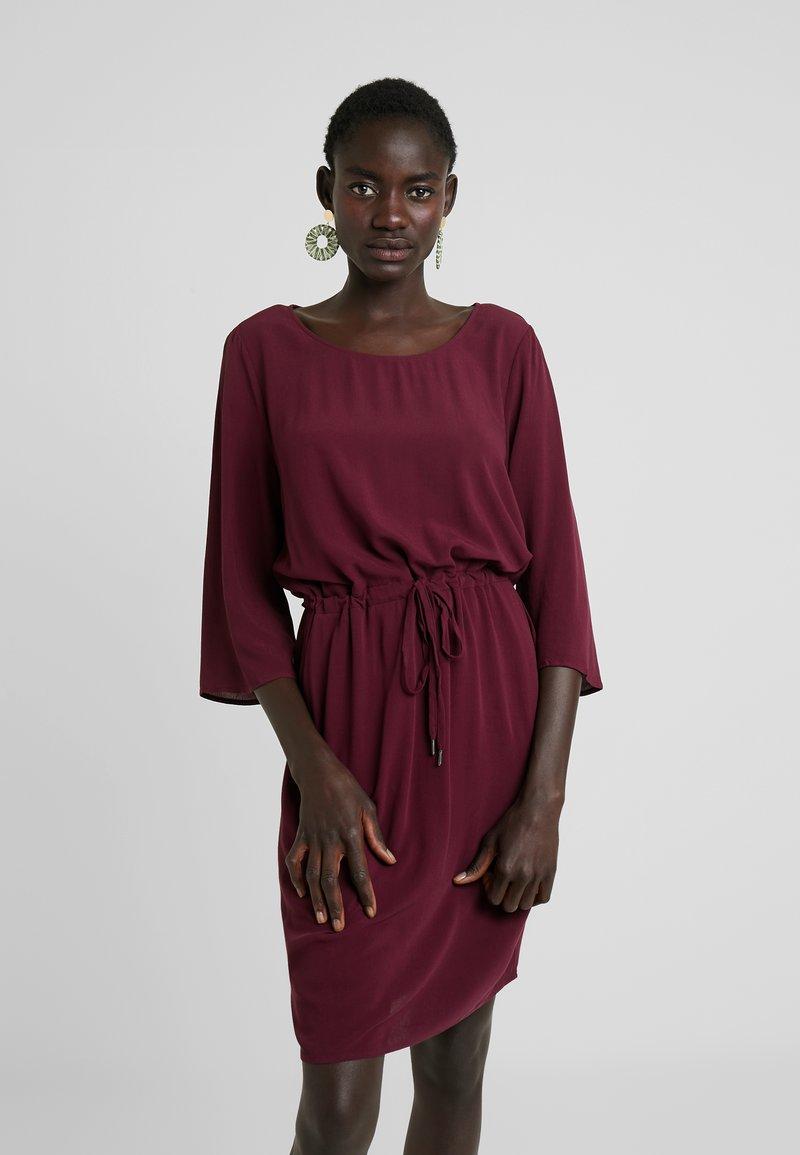 Object - Denní šaty - port royale