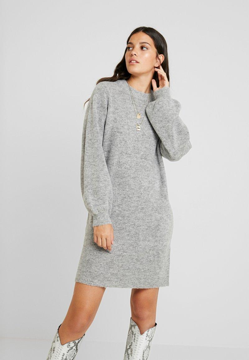 Object - Pletené šaty - light grey melange