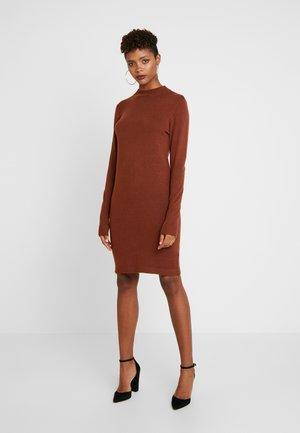 Strikket kjole - brown patina