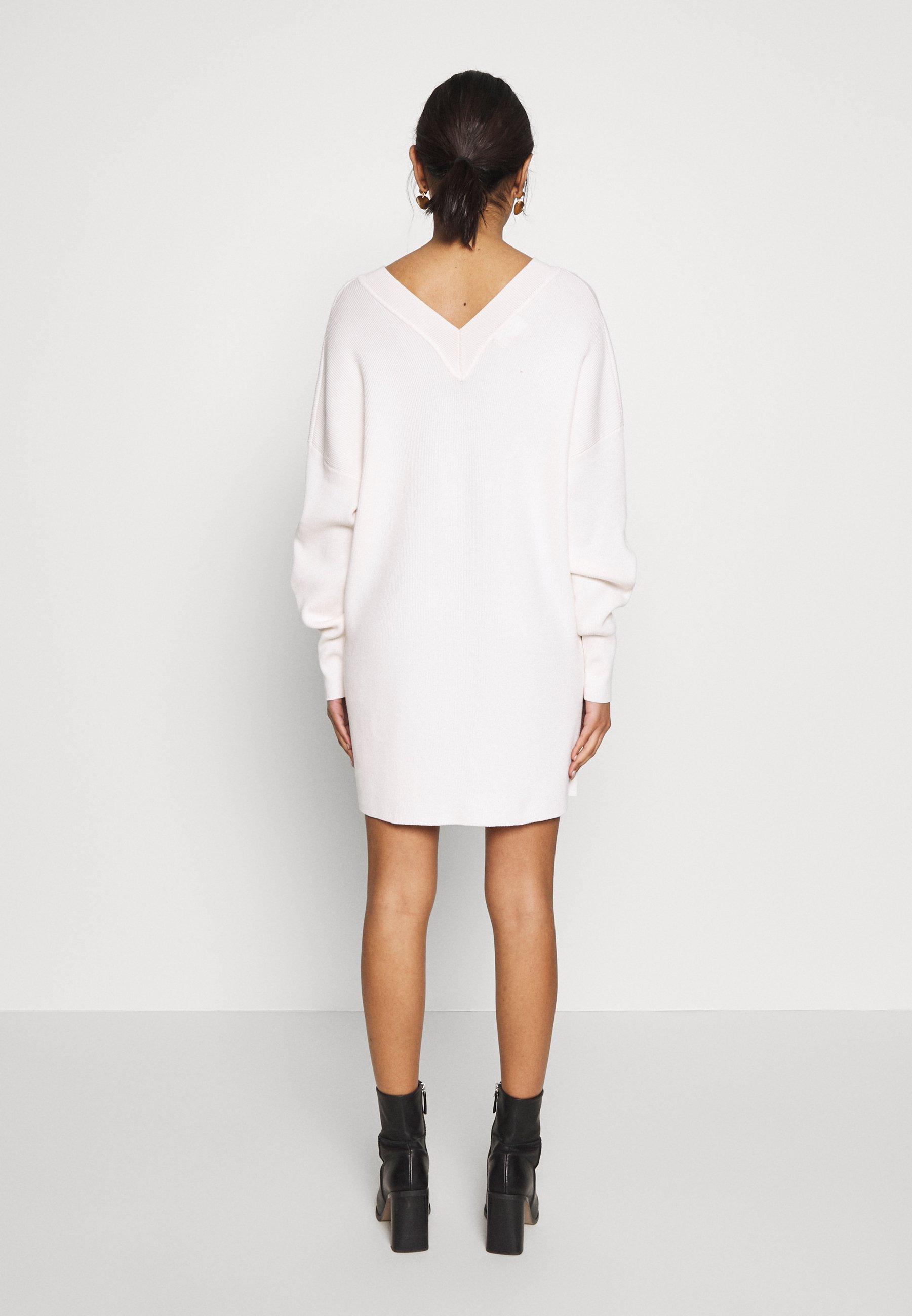 Object OBJDIVIAN - Stickad klänning - gardenia