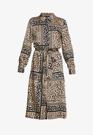OBJSIAN SHIRT DRESS - Denní šaty - camel/black