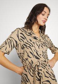 Object - OBJTHELMA DRESS  - Vestido camisero - incense/black - 3