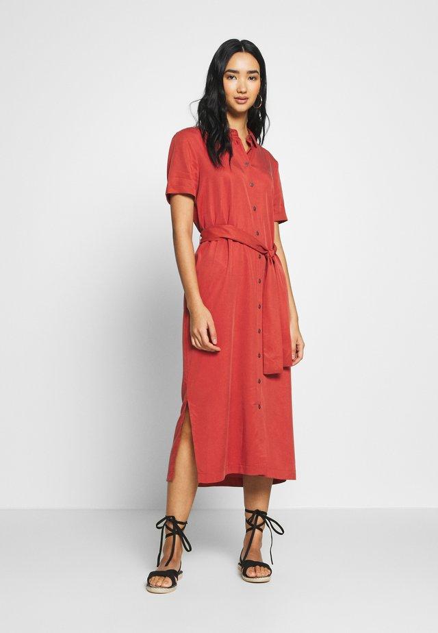 OBJTILDA ISABELLA DRESS SEASONA - Shirt dress - tandori spice