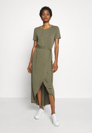 JANNIE NADIA  - Maxi-jurk - burnt olive