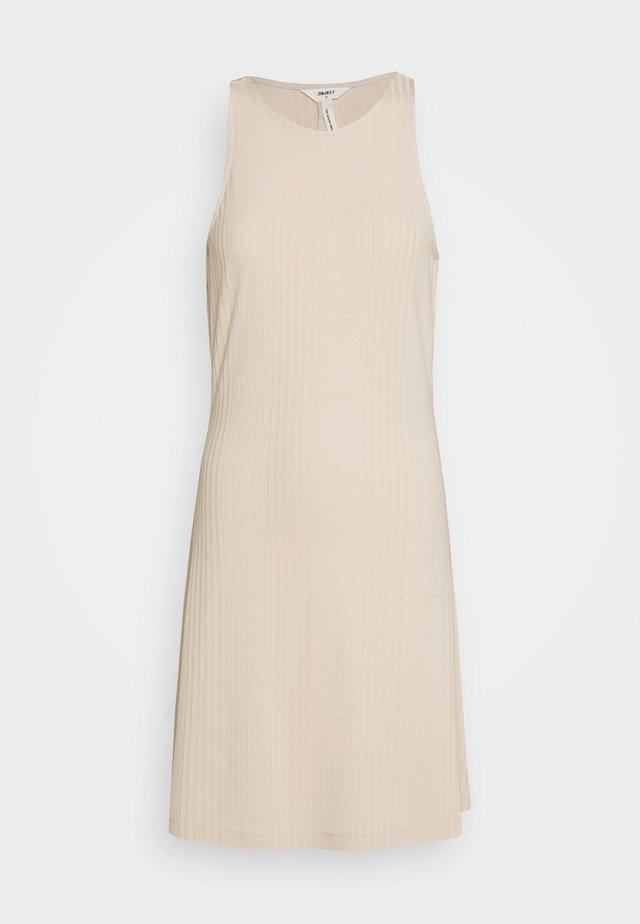 OBJCELIA SHORT DRESS - Denní šaty - sandshell
