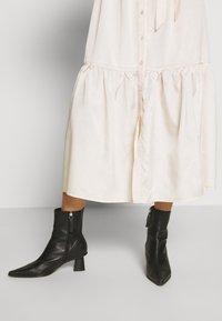 Object - OBJVIVA DRESS - Abito a camicia - gardenia - 3