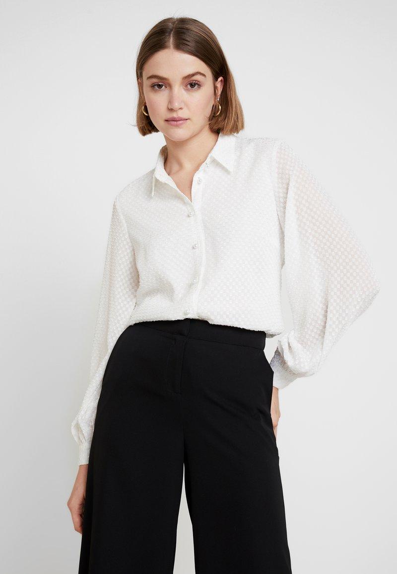 Object - Bluser - white
