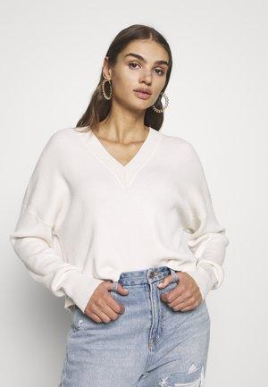 OBJDIVIAN - Jersey de punto - gardenia