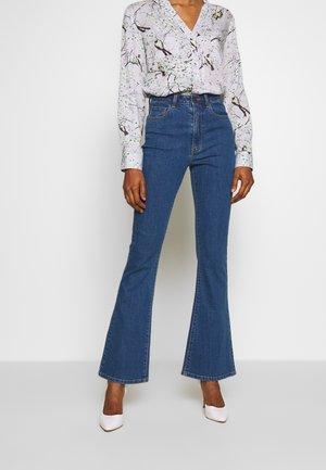 OBJDIJU - Flared Jeans - medium blue denim