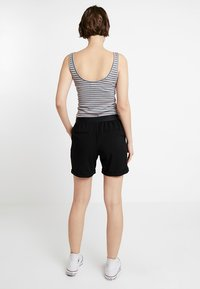 Object - OBJCECILIE  - Shorts - black - 2