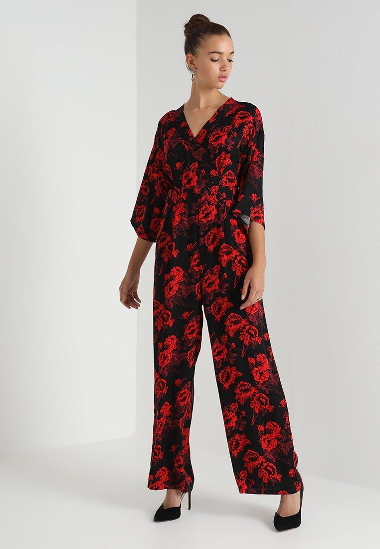 Object - OBJKISS 3/4 PANTHEON - Jumpsuit - black/red