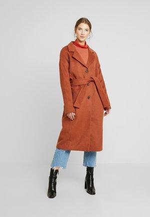 Zimní kabát - brown patina