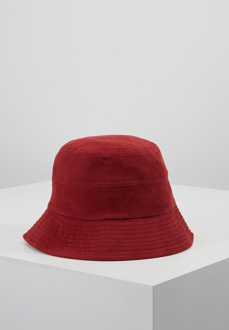 Object - Hatt - port royale