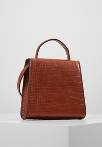 Object - OBJTALULA CROSSOVER - Across body bag - amber brown - 2