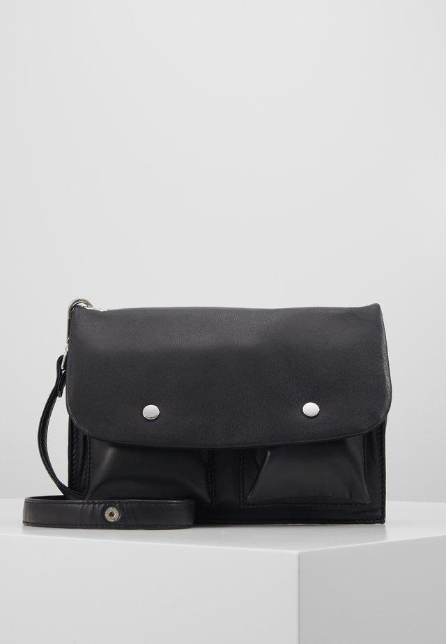 MONICA CROSSOVER BAG - Taška spříčným popruhem - black