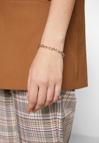 Olivia Burton - BEJEWELLED T-BAR BRACELET - Náramek - silver-coloured - 1