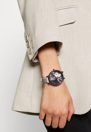 FINE ART - Watch - graulila