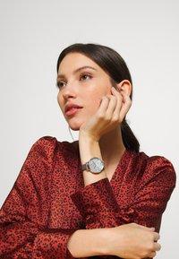 Olivia Burton - TERRAZZO FLORAL - Horloge - grau - 0
