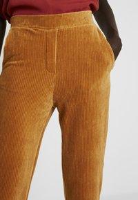 Object Tall - OBJCORDA LISA SLIM PANT - Kalhoty - brown sugar - 5