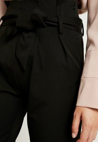 Object Tall - OBJLISA TIE WAIST  PANT - Pantalon classique - black - 4