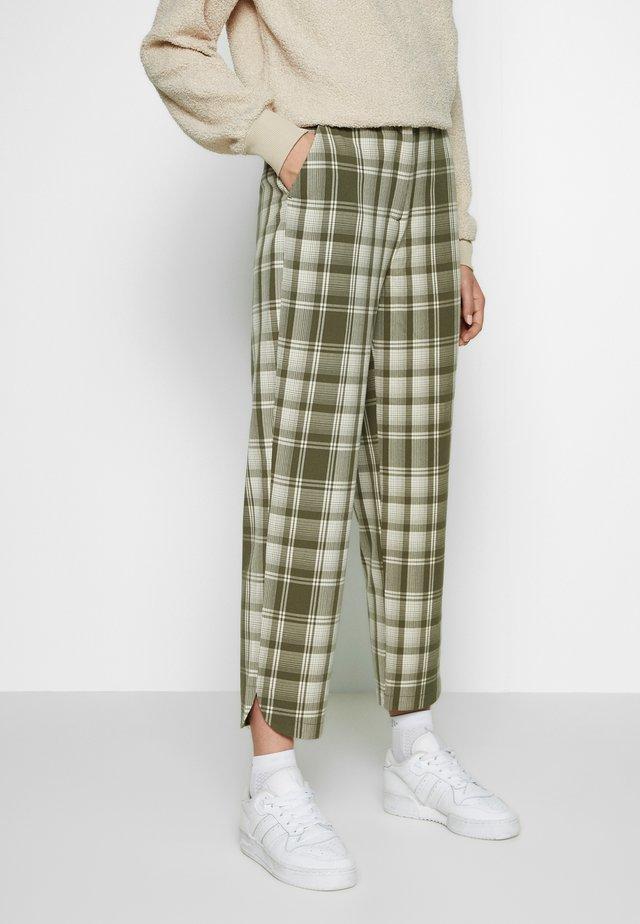 OBJUMA PANT - Trousers - burnt olive/gardenia