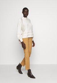 Object Tall - OBJDALINA PANT - Pantalón de cuero - incense - 1