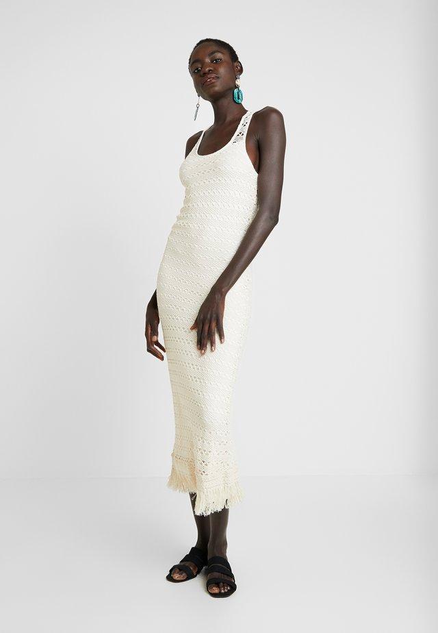 OBJFIKA DRESS - Shift dress - gardenia