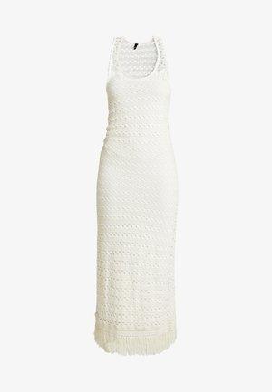 OBJFIKA DRESS - Etuikleid - gardenia