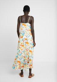 Object Tall - OBJGIOVANNA STRAP DRESS - Maxi-jurk - gardenia/multicolor - 2