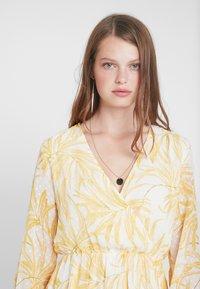 Object Tall - OBJVITA DRESS - Robe d'été - gardenia/yellow - 4