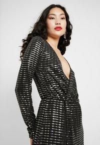 Object Tall - OBJSOLA DRESS - Jerseykleid - black/silver - 4