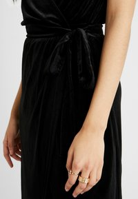 Object Tall - OBJHONEY NOREENA DRESS - Maxi šaty - black - 5