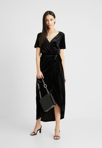 Object Tall - OBJHONEY NOREENA DRESS - Maxi šaty - black - 1