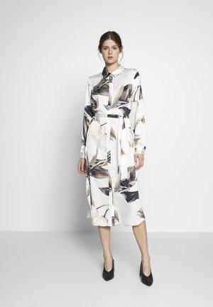 OBJPANIA AMELIA SHIRT DRESS - Košilové šaty - off-white