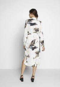 Object Tall - OBJPANIA AMELIA SHIRT DRESS - Paitamekko - off-white - 2