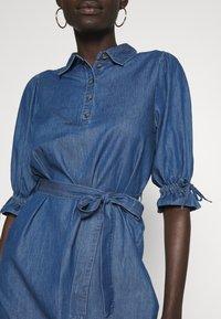 Object Tall - OBJANNELI DRESS - Dongerikjole - medium blue denim - 5