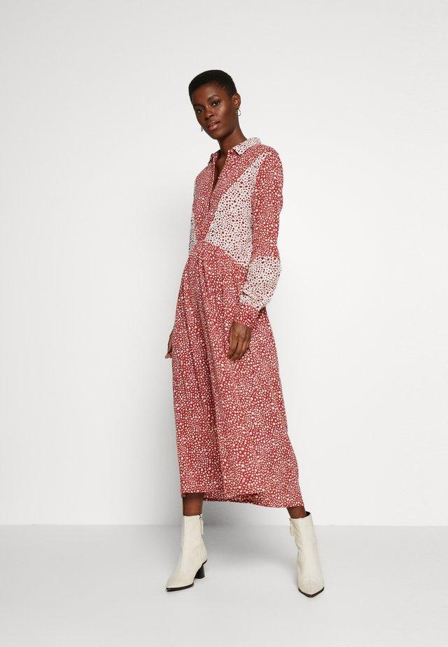 OBJSHAY DRESS - Blusenkleid - tandori spice/gardenia