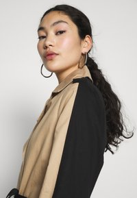 Object Tall - OBJKUNA JACKET - Gabardina - incense/black - 3