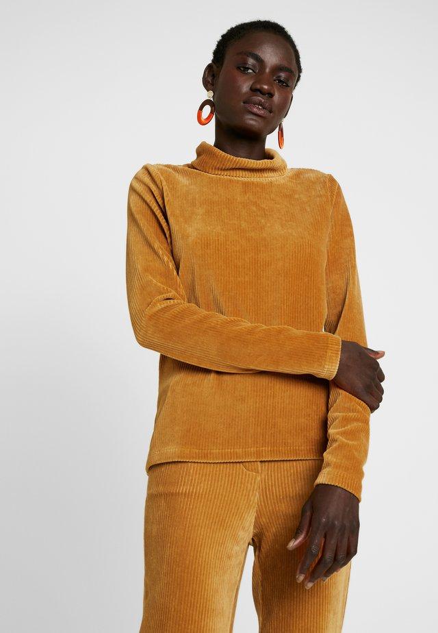 OBJCORDA ROLLNECK - Long sleeved top - brown sugar