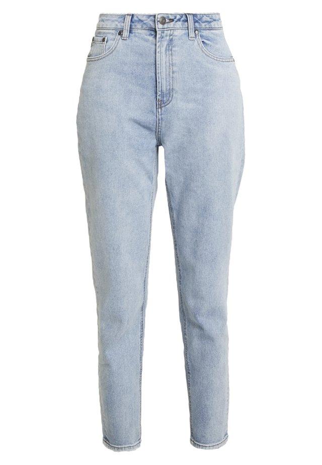 OBJMANDY MOM - Jeans Relaxed Fit - light blue denim