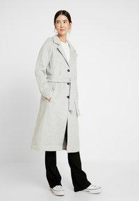 Object Tall - OBJLENA COAT - Płaszcz wełniany /Płaszcz klasyczny - light grey melange - 0