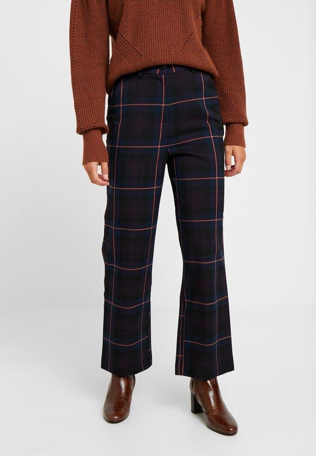 OBJLOLLY PANT - Spodnie materiałowe - nightshade/tigerlilly