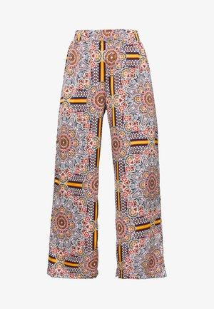 OBJAMELIA WIDE PANT - Trousers - gardenia/muliti colour