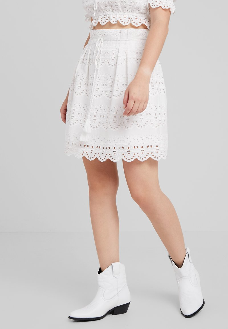 Object Petite - OBJANA SHORT SKIRT - Mini skirt - gardenia